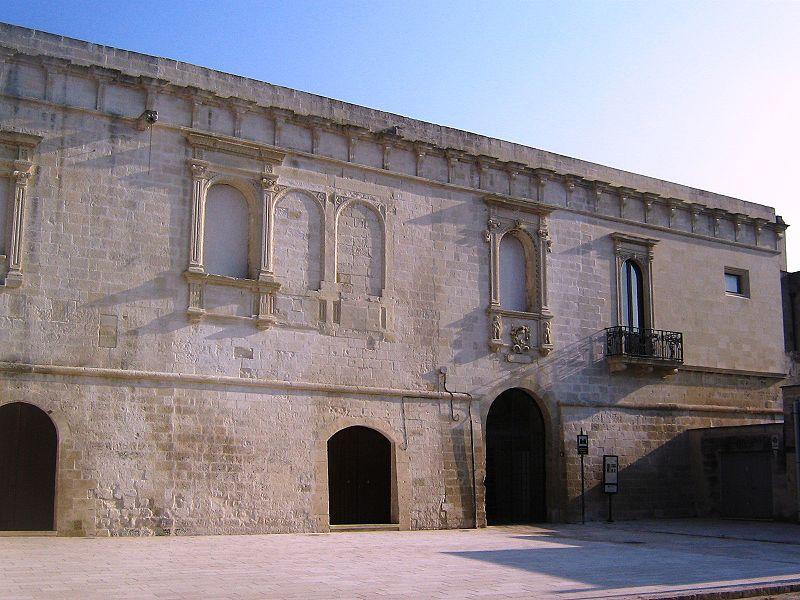 Il castello baronale a Castrignano dei Greci