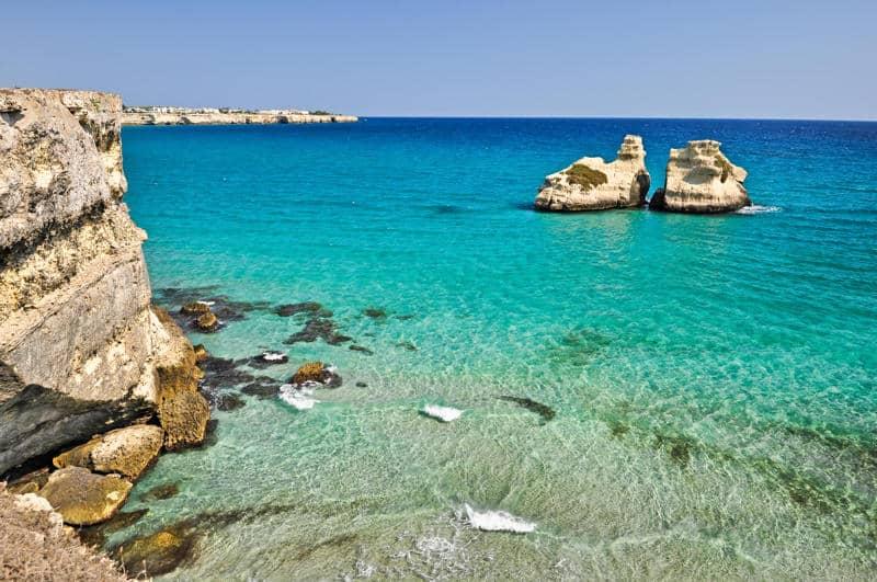 Torre dell'Orso e le sue spiagge: cartoline del Salento