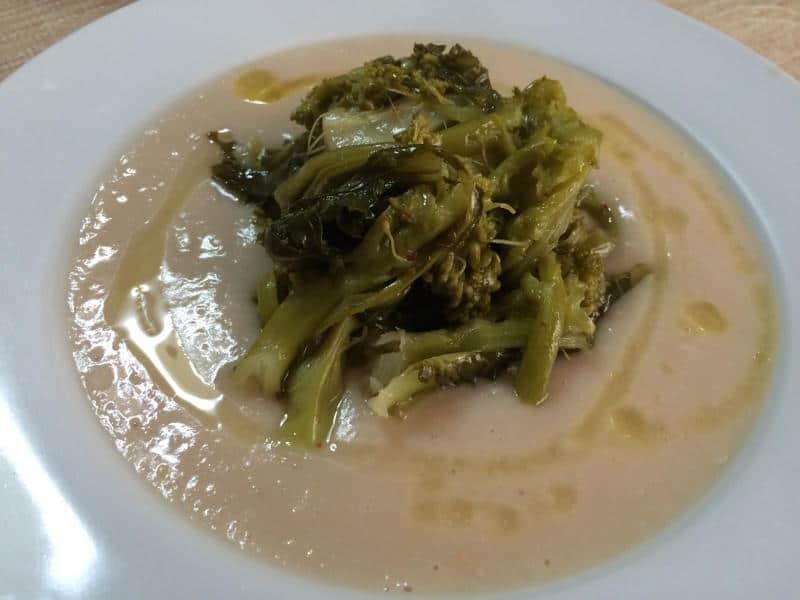 """Sapori del Salento: ecco la ricetta delle """"fave nette e cicore"""""""