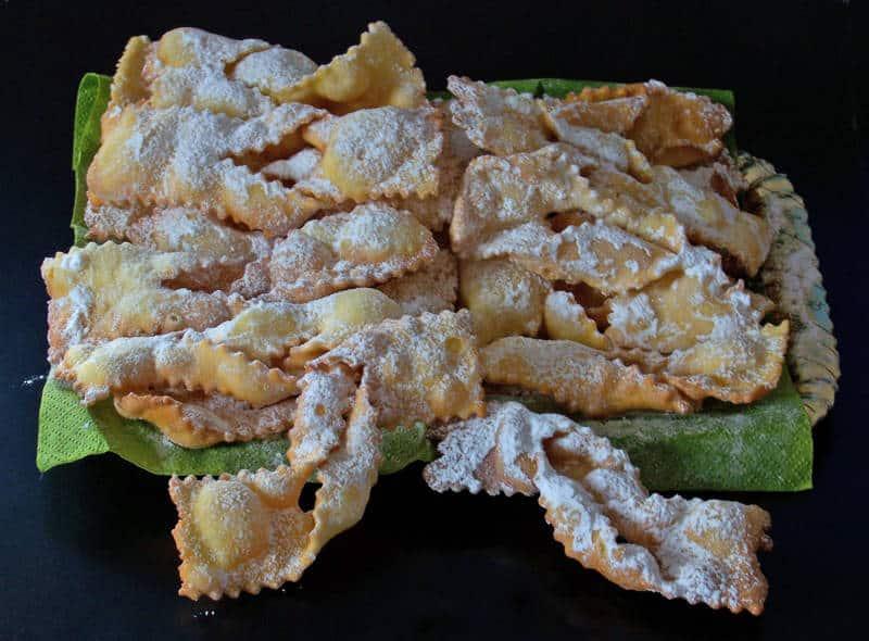 """Le """"Chiacchiere"""": il dolce salentino del Carnevale"""