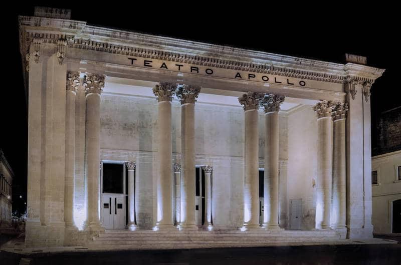 Una delle più belle opere architettoniche del Salento: il Teatro Apollo