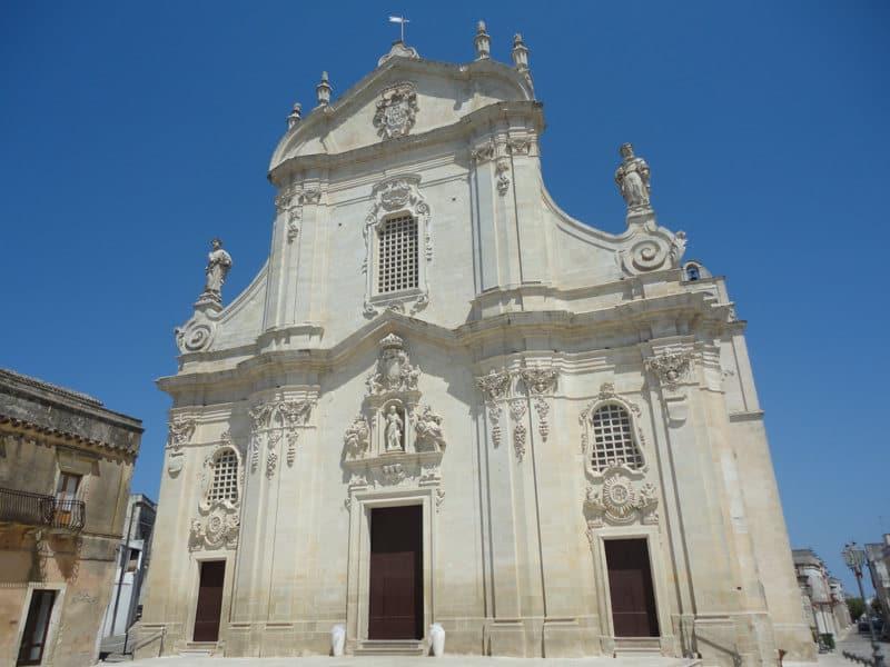 La Tradizione Salentina della Tavole di San Giuseppe a Uggiano la Chiesa