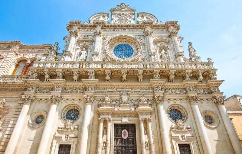 Uno dei monumenti più belli del Salento: la Basilica di Santa Croce a Lecce
