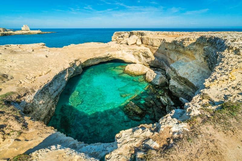Una delle frazioni di Melendugno: Roca Vecchia e la sua Grotta della Poesia