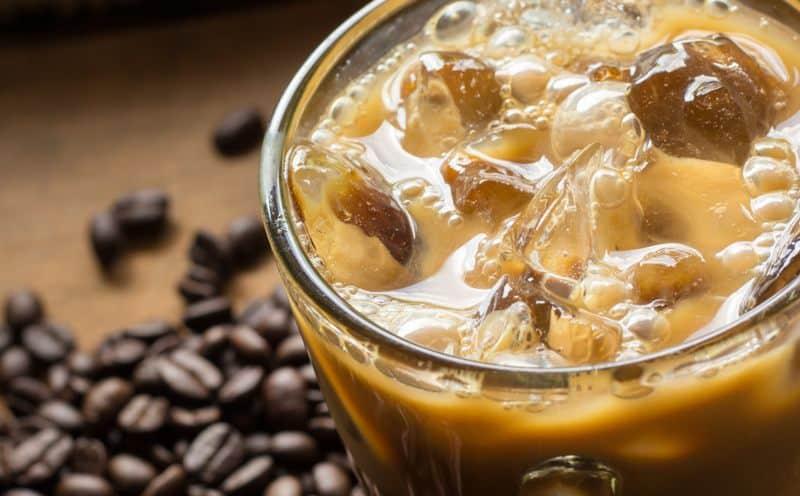 In ghiaccio con latte di mandorla: come gustare un buon caffè in Salento