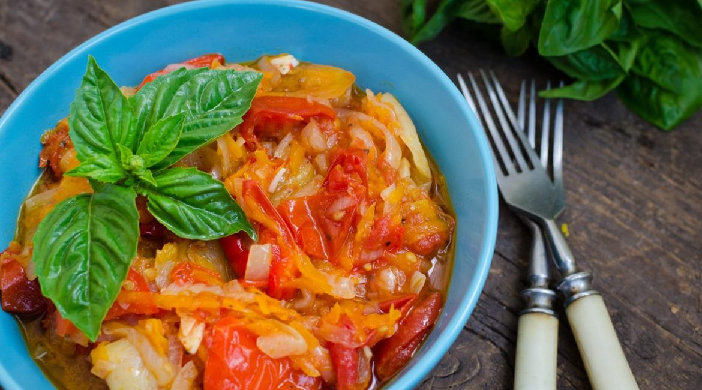 La peperonata salentina: una ricetta estiva e gustosa