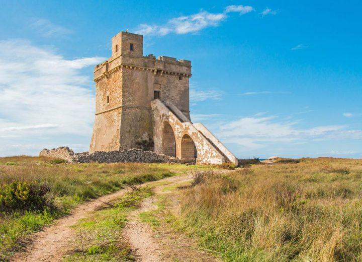Torre Squillace, alla scoperta di una delle più antiche torri costiere del Salento